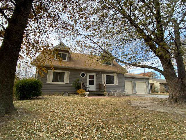 2911 Bluestem Ct, North Newton, KS 67117 (MLS #575939) :: Lange Real Estate