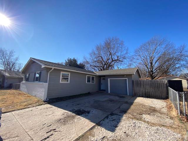 629 N Brownthrush, Wichita, KS 67212 (MLS #576413) :: Lange Real Estate