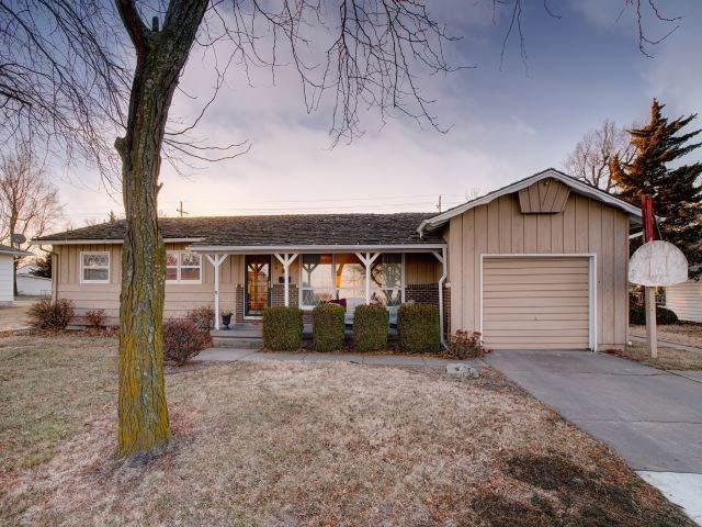 109 N Wilson St, Hillsboro, KS 67063 (MLS #576804) :: Lange Real Estate