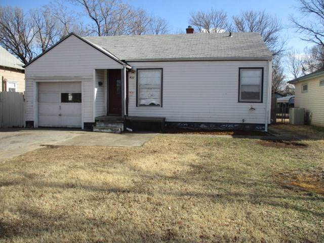 832 S Millwood Ave, Wichita, KS 67213 (MLS #577004) :: On The Move