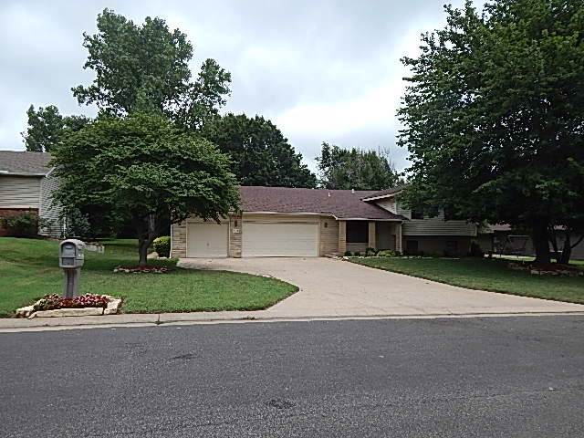 708 E 34th Ave, Winfield, KS 67156 (MLS #577176) :: On The Move