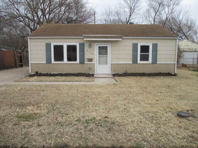 4584 S Meadowview Ave, Wichita, KS 67216 (MLS #577405) :: On The Move