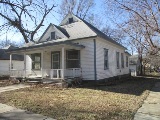 201 Michigan St, Winfield, KS 67156 (MLS #578845) :: On The Move