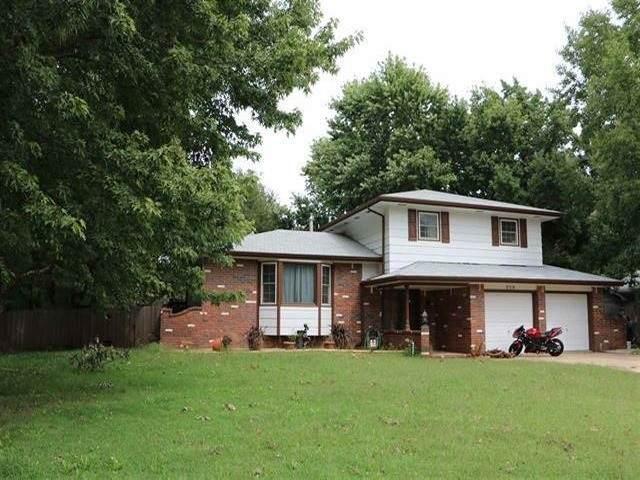 318 N Brookwood Dr, Derby, KS 67037 (MLS #579102) :: Lange Real Estate