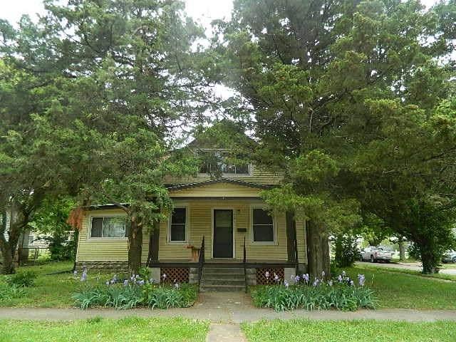 901 E 11th, Winfield, KS 67156 (MLS #580815) :: Preister and Partners | Keller Williams Hometown Partners