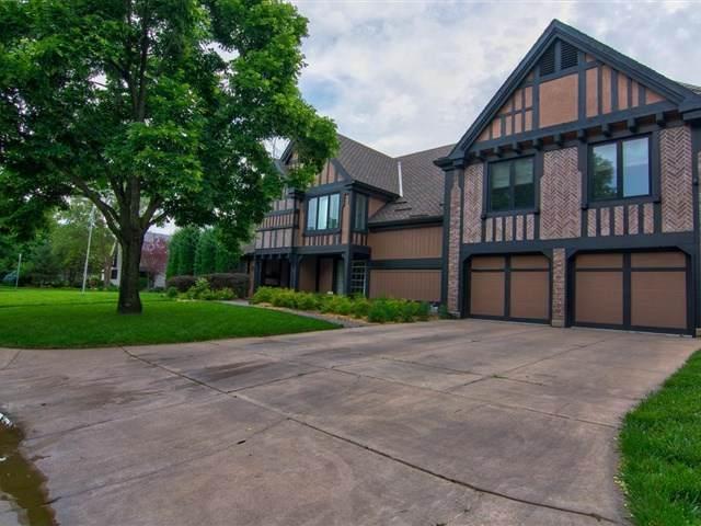 401 N Crestway, Wichita, KS 67208 (MLS #581991) :: Graham Realtors