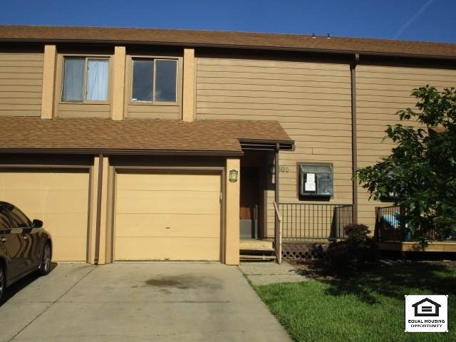 2405 S Capri Ln Apt 605, Wichita, KS 67210 (MLS #582207) :: Graham Realtors