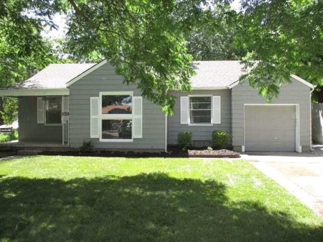 1631 N Jeanette Ave, Wichita, KS 67203 (MLS #582369) :: Pinnacle Realty Group