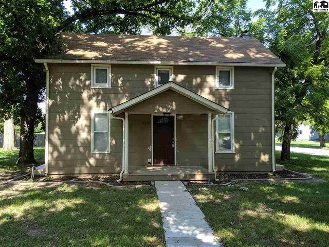 523 Highland Ave, Newton, KS 67114 (MLS #582726) :: On The Move