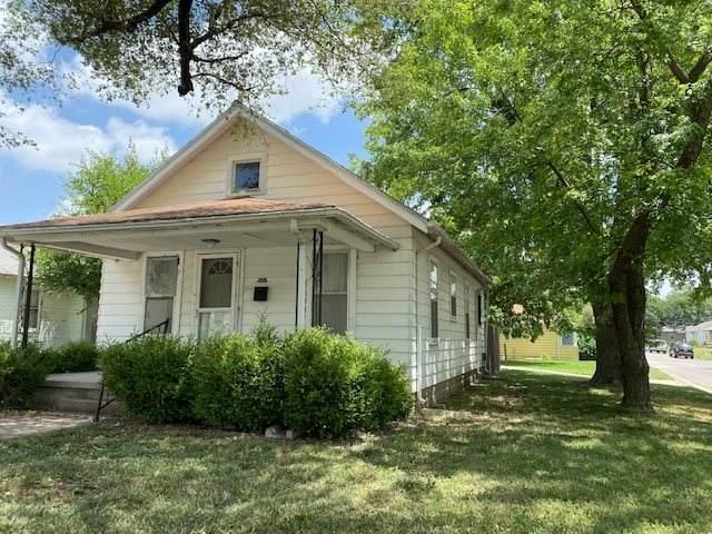 502 N Logan, Newton, KS 67114 (MLS #583195) :: Kirk Short's Wichita Home Team