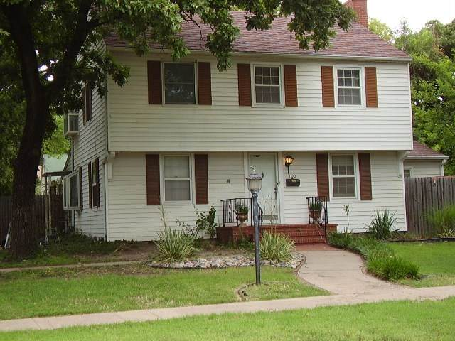 700 E 4th, Newton, KS 67114 (MLS #584026) :: On The Move