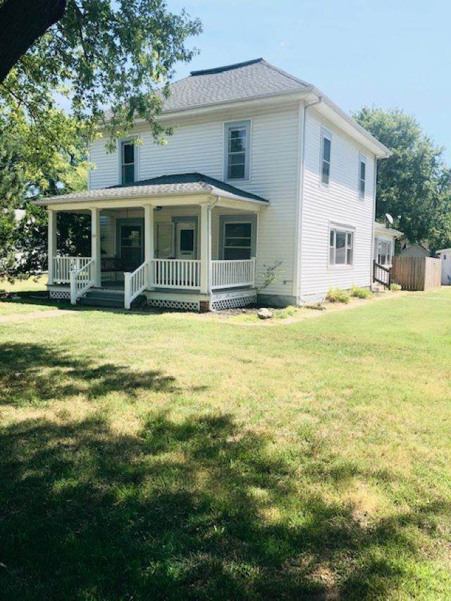 112 N Oak St, Whitewater, KS 67154 (MLS #584232) :: Preister and Partners | Keller Williams Hometown Partners