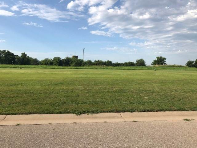 1826 W 18TH ST, Wellington, KS 67152 (MLS #584976) :: On The Move