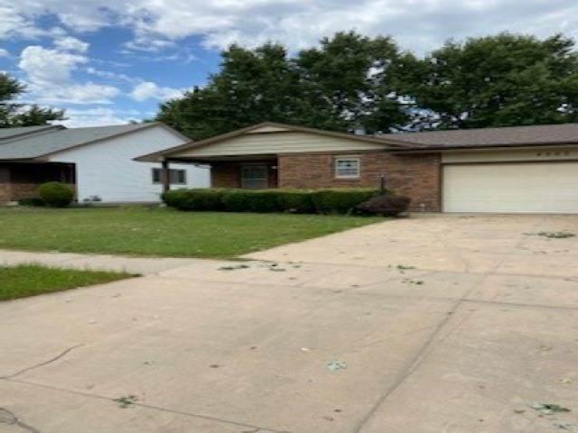 4005 Clarendon St, Bel Aire, KS 67220 (MLS #585036) :: Kirk Short's Wichita Home Team