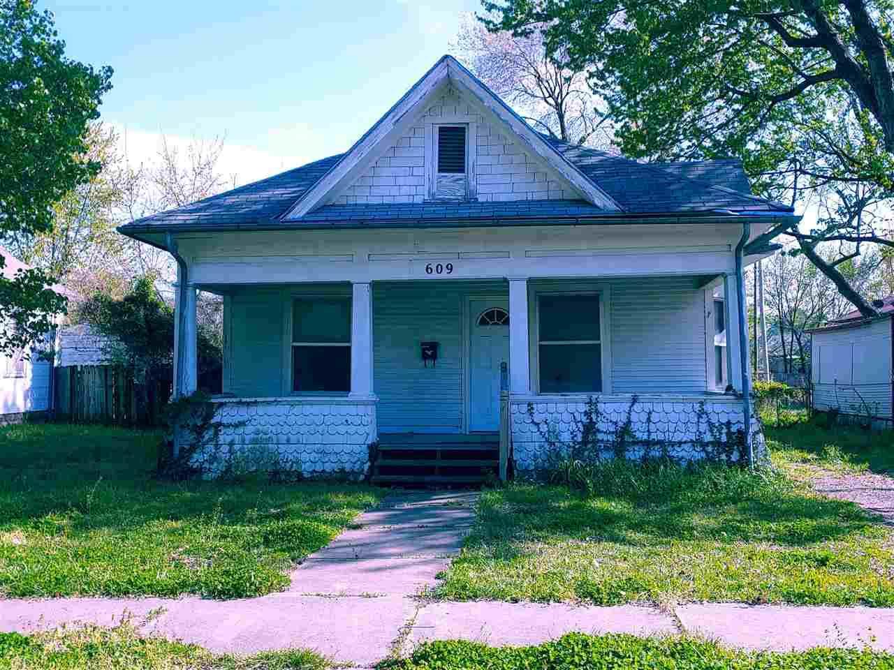 609 13th Avenue - Photo 1