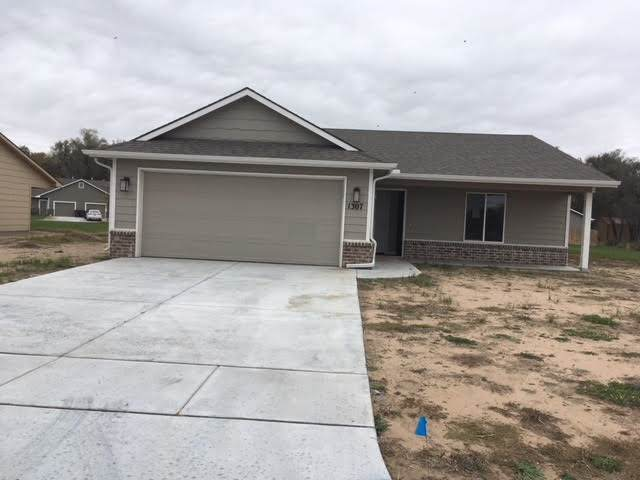 1307 E Maywood St, Wichita, KS 67216 (MLS #586392) :: Graham Realtors
