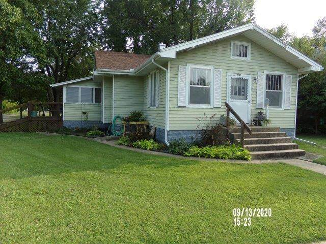 621 E 12th Ave, Winfield, KS 67156 (MLS #586701) :: Kirk Short's Wichita Home Team