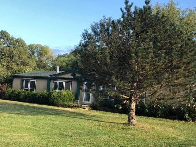 1193 N Oliver Rd, Belle Plaine, KS 67013 (MLS #586755) :: On The Move