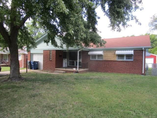 7614 E Watson St., Wichita, KS 67207 (MLS #587266) :: On The Move