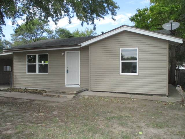 2222 W Casado St, Wichita, KS 67217 (MLS #588133) :: Jamey & Liz Blubaugh Realtors
