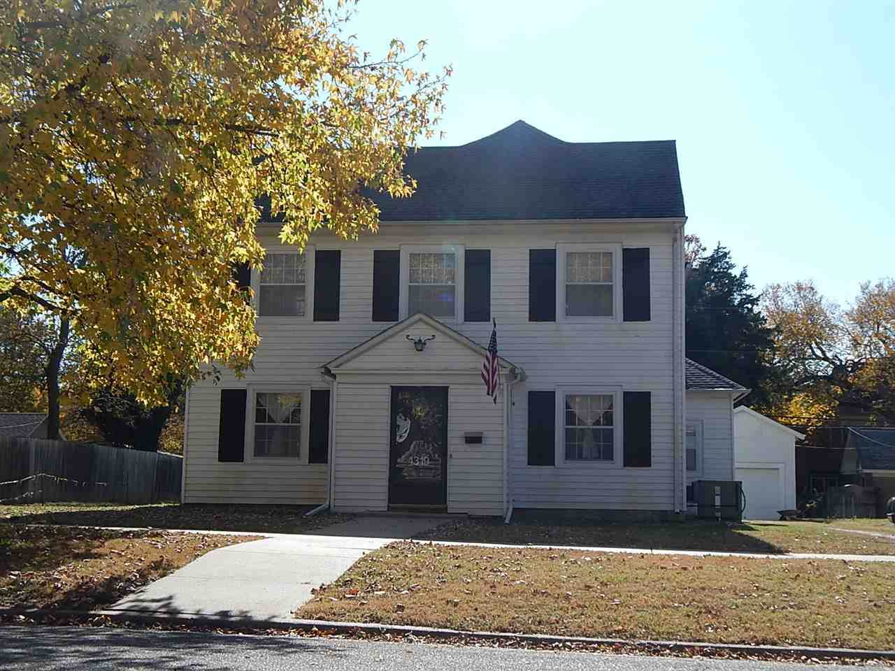 1319 8th Ave - Photo 1