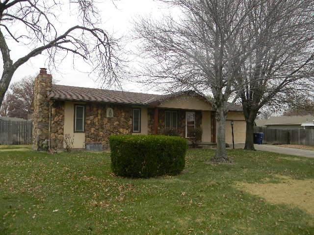 435 N Linden Ln, Haysville, KS 67060 (MLS #589531) :: Preister and Partners | Keller Williams Hometown Partners
