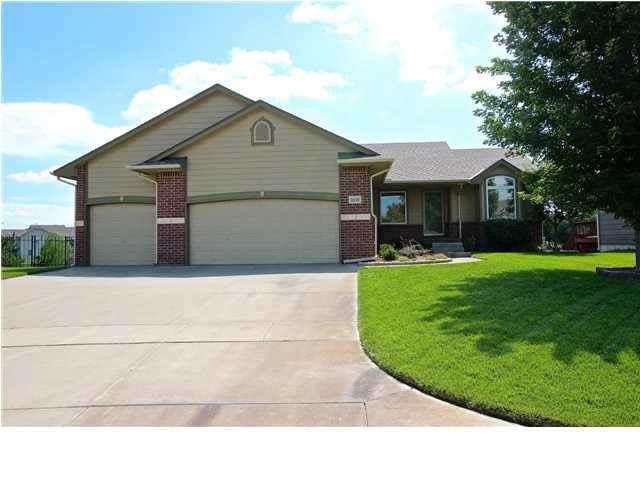 2518 S Westgate St, Wichita, KS 67215 (MLS #589667) :: Pinnacle Realty Group