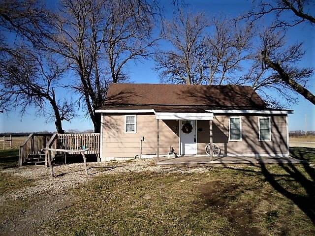 759 N Oliver Rd, Belle Plaine, KS 67013 (MLS #590009) :: Graham Realtors
