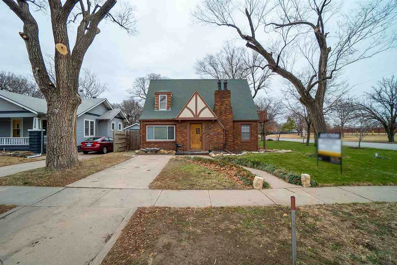 804 Perry Ave - Photo 1