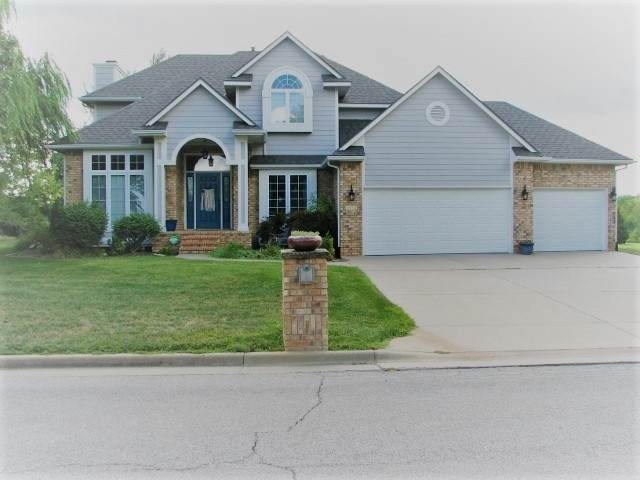 2913 Cabrillo Dr, Winfield, KS 67156 (MLS #590357) :: Kirk Short's Wichita Home Team