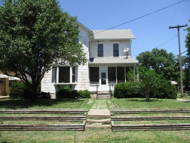 207 NE 12th St, Abilene, KS 67410 (MLS #590972) :: Keller Williams Hometown Partners