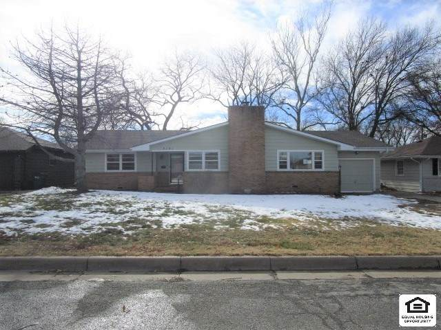 5141 E 10th St N, Wichita, KS 67208 (MLS #591336) :: Kirk Short's Wichita Home Team