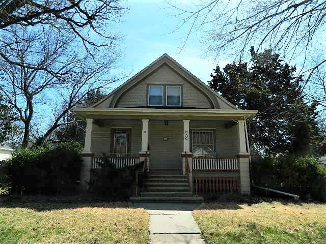 909 E 9th, Winfield, KS 67156 (MLS #593591) :: Keller Williams Hometown Partners