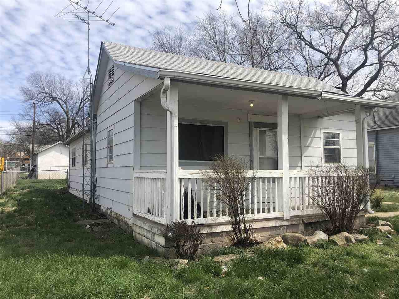 1205 Jefferson Ave - Photo 1