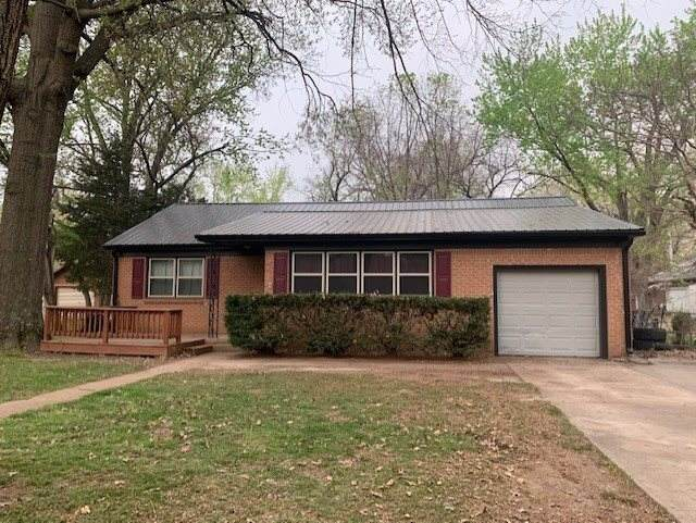 1615 Hackney St, Winfield, KS 67156 (MLS #594455) :: Keller Williams Hometown Partners