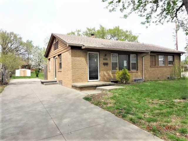 7920 Watson Ln, Wichita, KS 67207 (MLS #594637) :: Kirk Short's Wichita Home Team