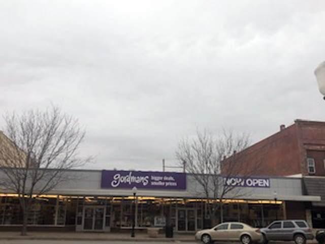 211 S Summit St, Arkansas City, KS 67005 (MLS #594778) :: COSH Real Estate Services