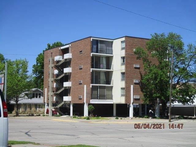 330 W Central Apt 4D, El Dorado, KS 67042 (MLS #595610) :: The Boulevard Group