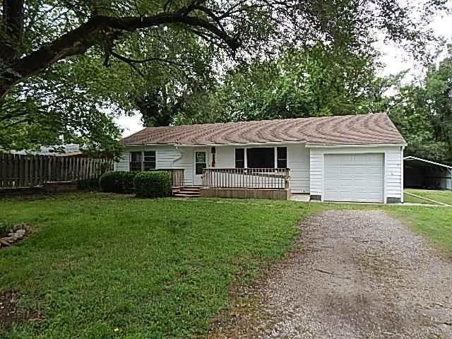 1315 Ann St, Winfield, KS 67156 (MLS #597330) :: COSH Real Estate Services