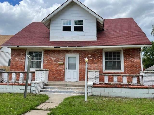 404 E 11th Ave, Hutchinson, KS 67501 (MLS #597655) :: Kirk Short's Wichita Home Team