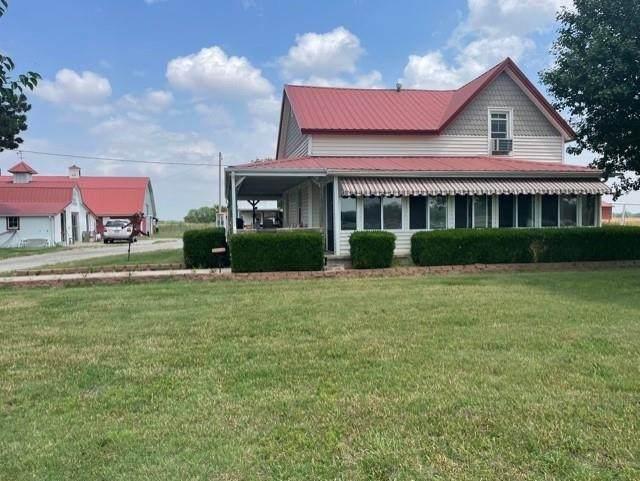 726 NW 100 Ave, Attica, KS 67009 (MLS #597760) :: Kirk Short's Wichita Home Team