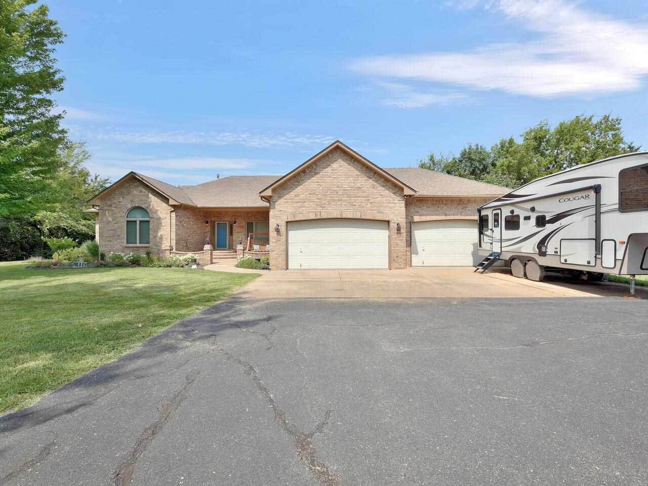 415 Red Powell Dr - Photo 1