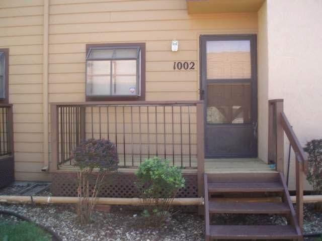 2405 Capri Ln Unit 1002, Wichita, KS 67210 (MLS #602014) :: Matter Prop