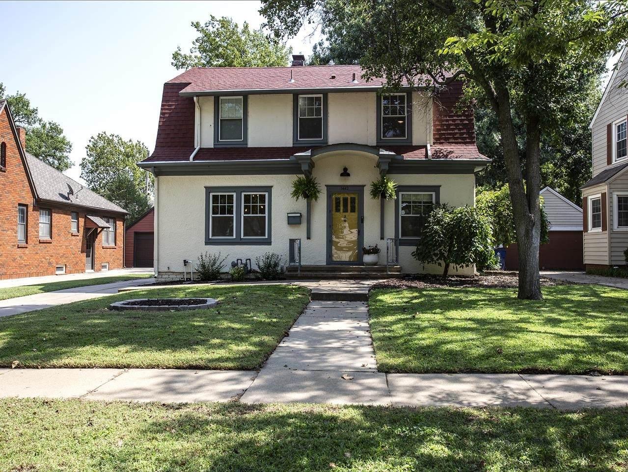 1442 Woodrow Ave - Photo 1