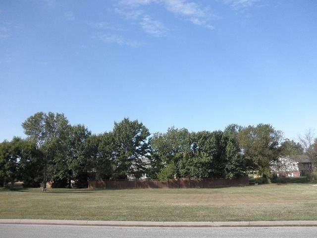 3119 Elwell Dr, Winfield, KS 67156 (MLS #602975) :: Kirk Short's Wichita Home Team