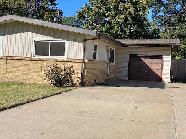 641 N Burns Ave, Valley Center, KS 67147 (MLS #603561) :: Kirk Short's Wichita Home Team