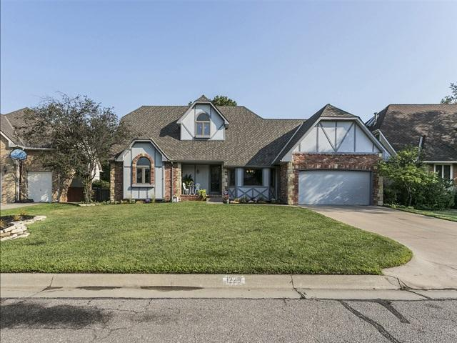 1229 N Coach House Ct, Wichita, KS 67235 (MLS #541047) :: Select Homes - Team Real Estate