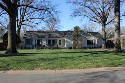 21 E Willowbrook Rd, Eastborough, KS 67207 (MLS #544583) :: Better Homes and Gardens Real Estate Alliance