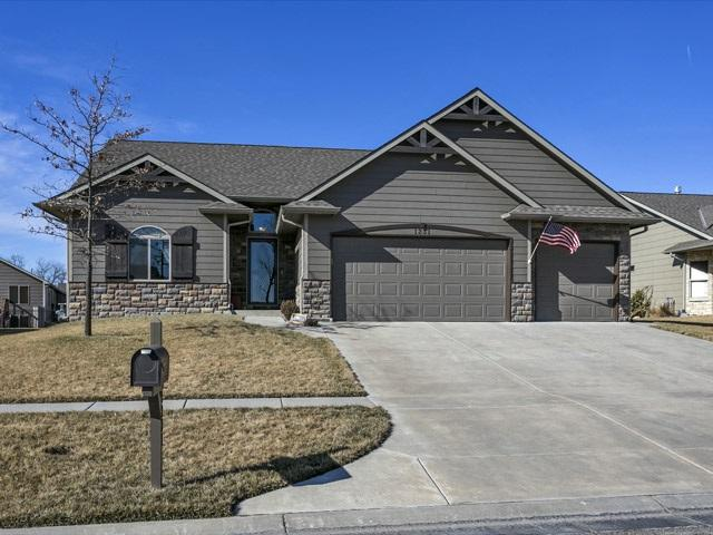 1231 N Beau Jardin St, Derby, KS 67037 (MLS #546577) :: Select Homes - Team Real Estate