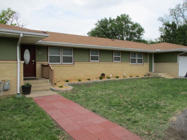 1310 E Main, Marion, KS 66861 (MLS #547814) :: Select Homes - Team Real Estate